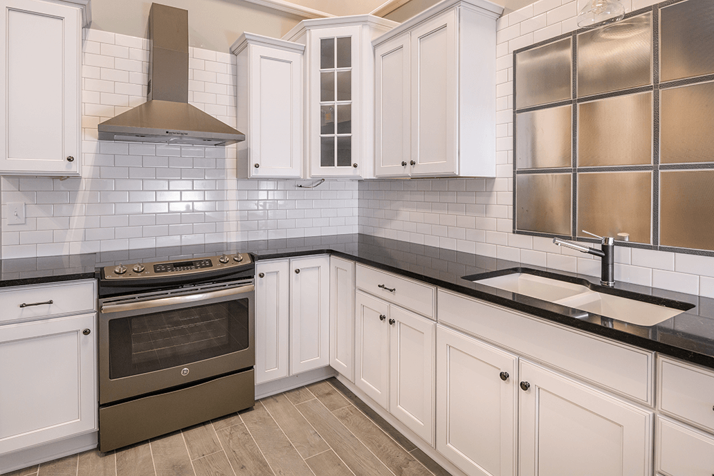 Black And White Quartz Countertops, Kitchen Countertop Displays At  Lumberjacku0027s Kitchens U0026 Baths, Serving
